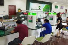 Ngan-hang-Vietcombank-can-thue
